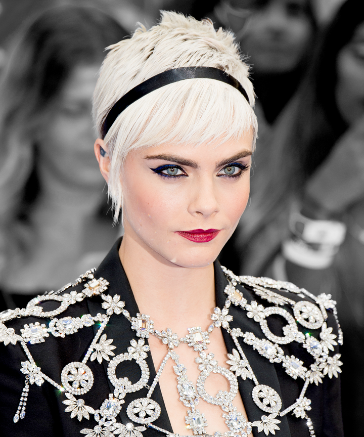 Cara delevingne valerian red carpet short hairstyles cara delevingne proves theres more than one way to pull off a pixie cut winobraniefo Image collections