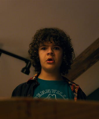 This Theory About Dustin's Dad In Stranger Things 2 Makes Total Sense