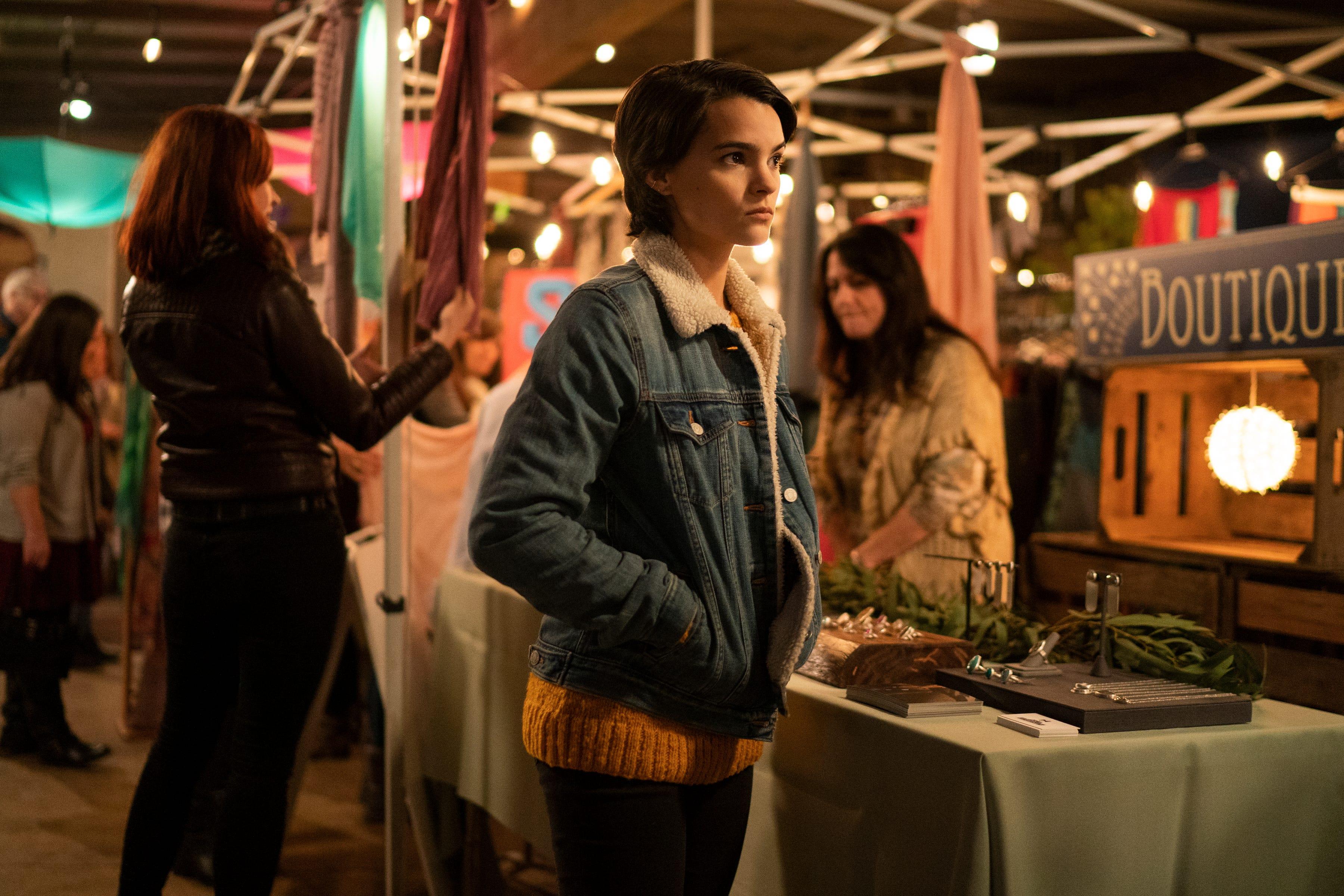 Trinkets Season 1 Recap & Episode Guide Binge-Watching