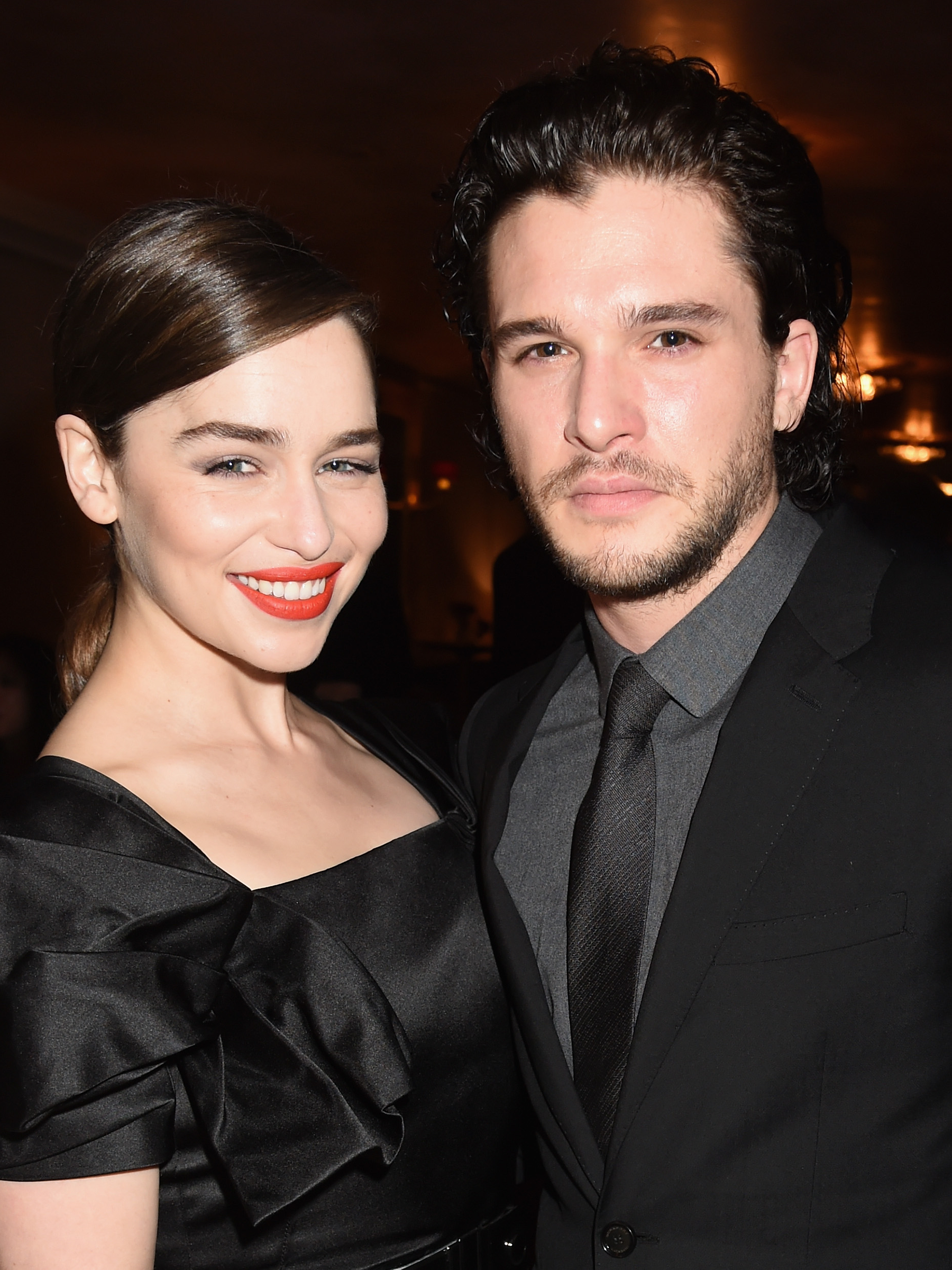 Emilia Clarke Kit Harington Game Of Thrones Dragon