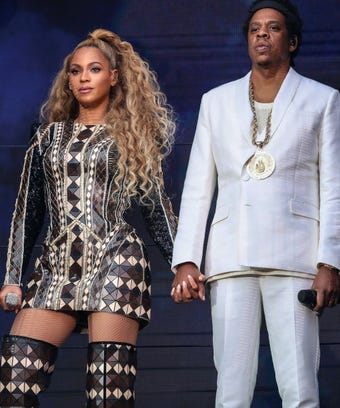Beyonc and jay z call people out on everything is love beyonc and jay z have a word with everyone on everything is love stopboris Image collections