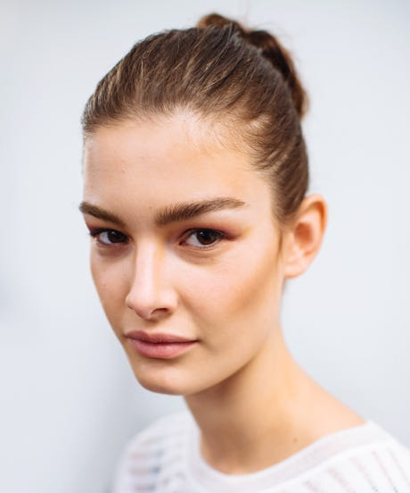 Maintaining Brow Shape Best Eyebrow Shaping Tips