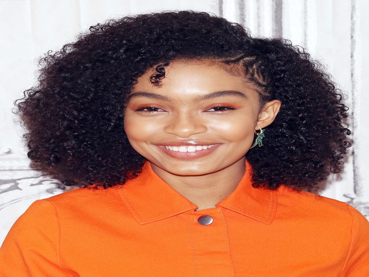 Yara Shahidi s Best Hair Looks — & Exactly How To Style Them