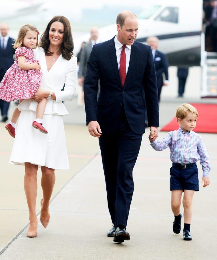 the royal family shares their adorable 2017 christmas card - Royal Family Christmas Card