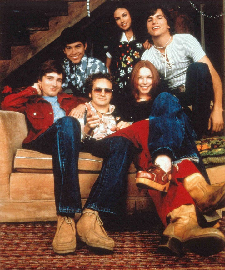 that 70s show 20th anniversary gets tributes from cast