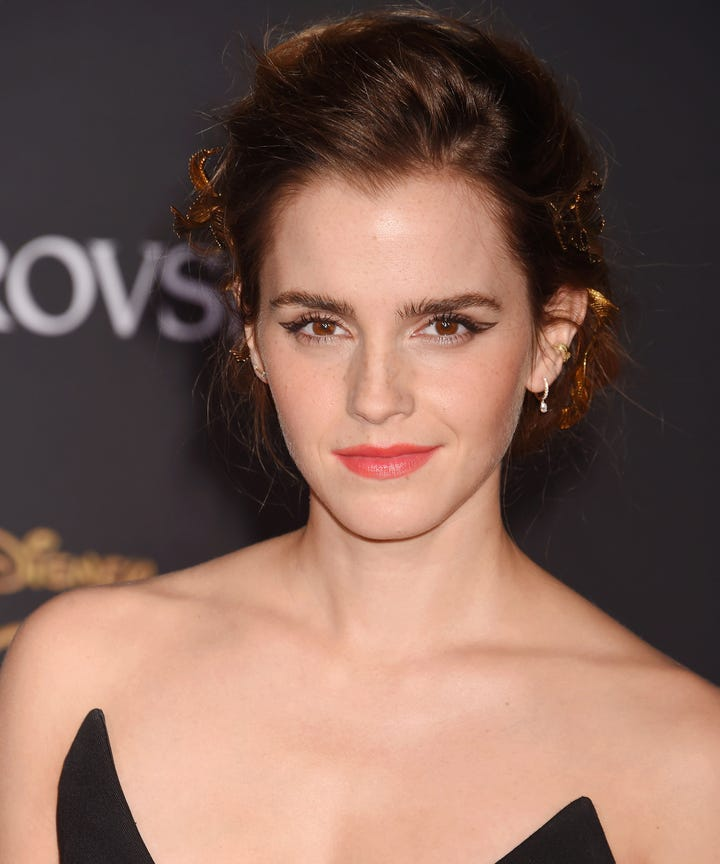 Emma Watson Always Wears These Beauty Trends