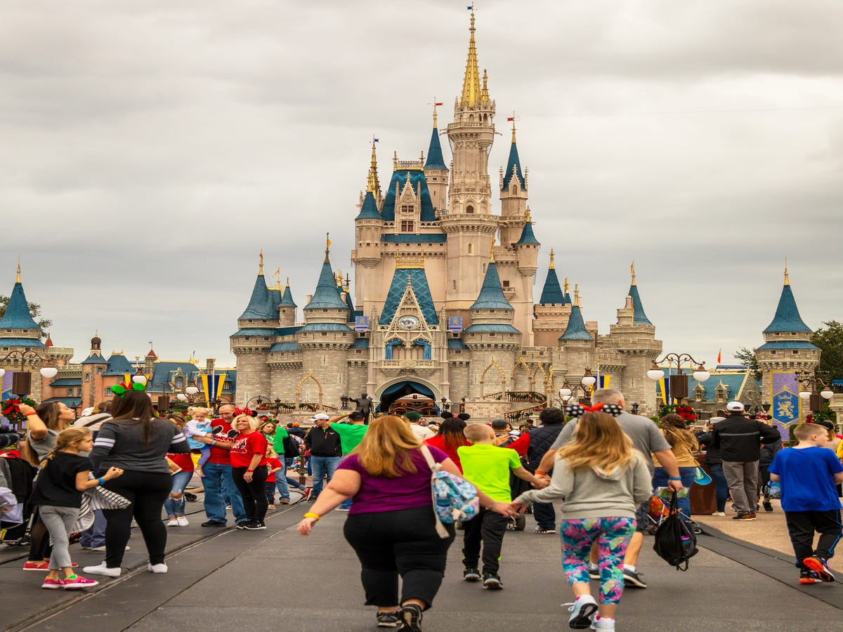 What s The Deal With The Disney Internship? Here s What You Need To Know