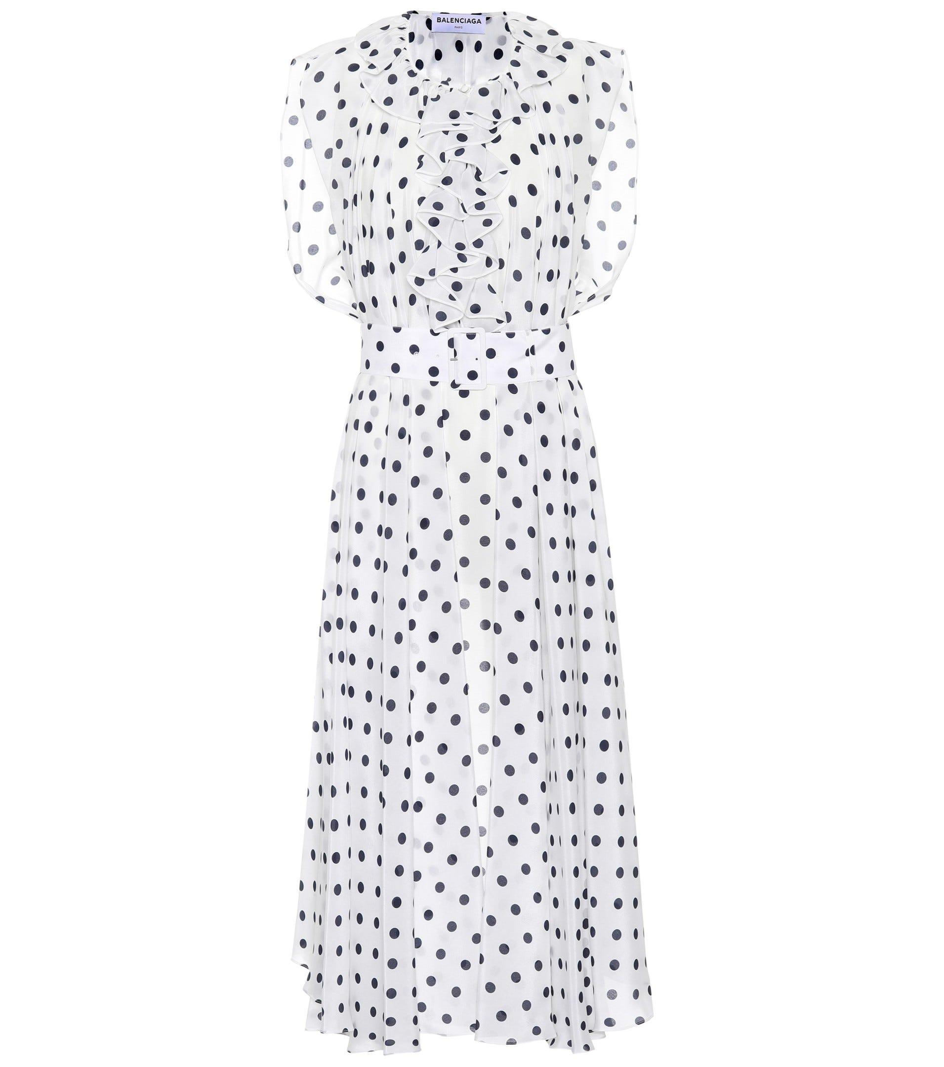 7fd869ec0668 Cute Ways To Wear The Polka Dot Trend Winter 2018