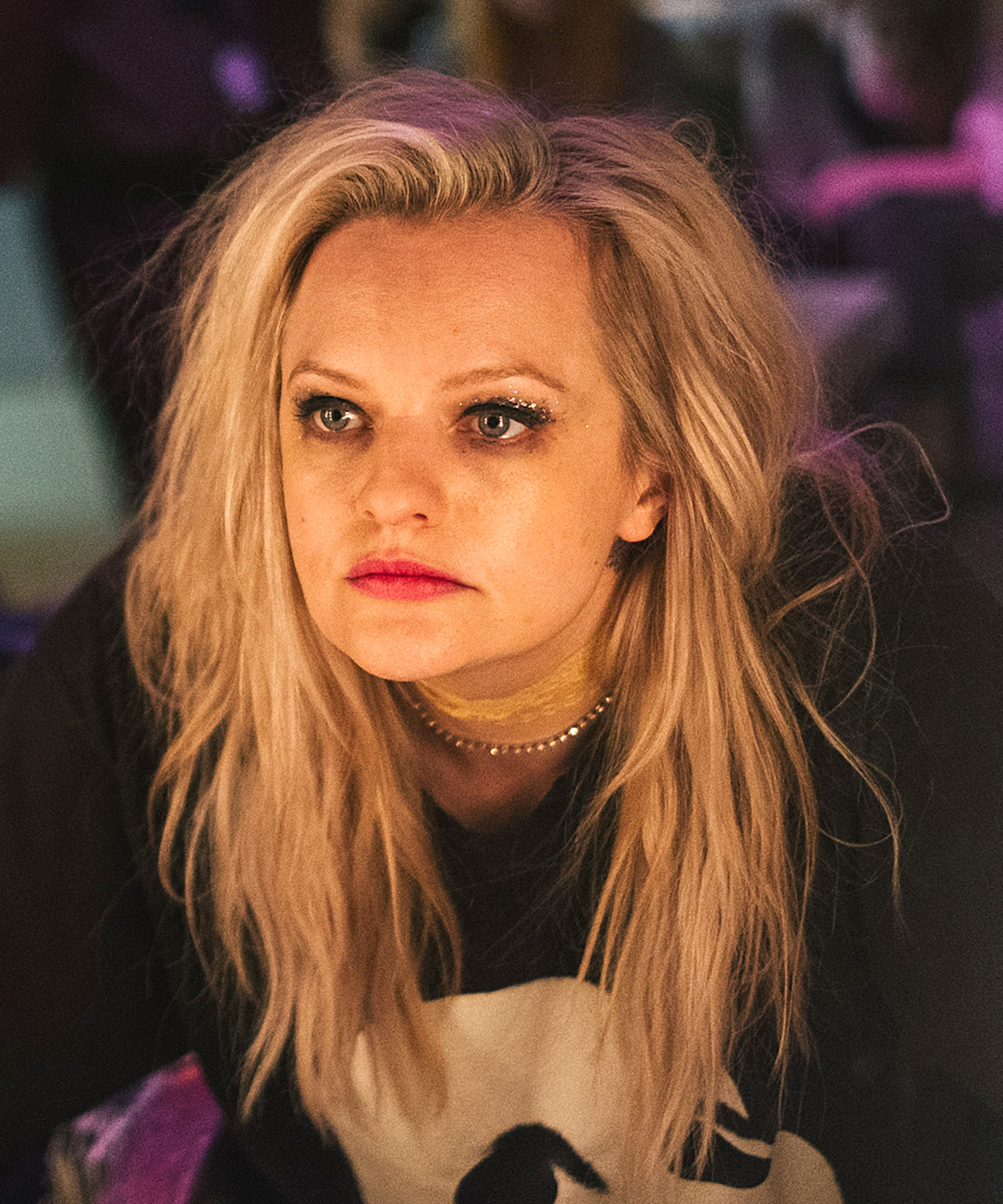 Elisabeth Moss' Grunge Makeup Tells A Cautionary Tale In Her Smell