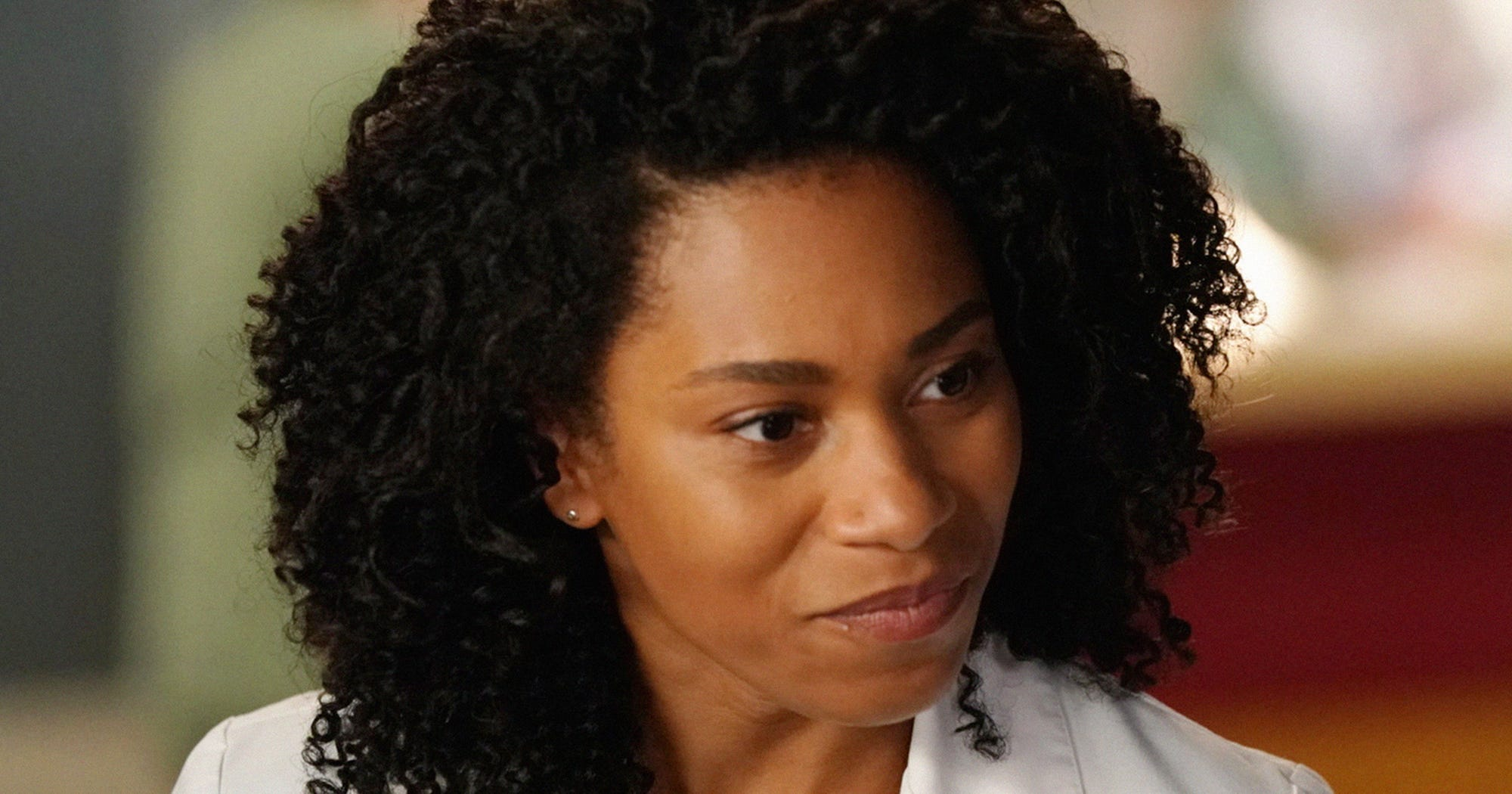 """Grey's Anatomy Star Says This Show Romance Is Headed For A """"Hard Left Turn"""""""
