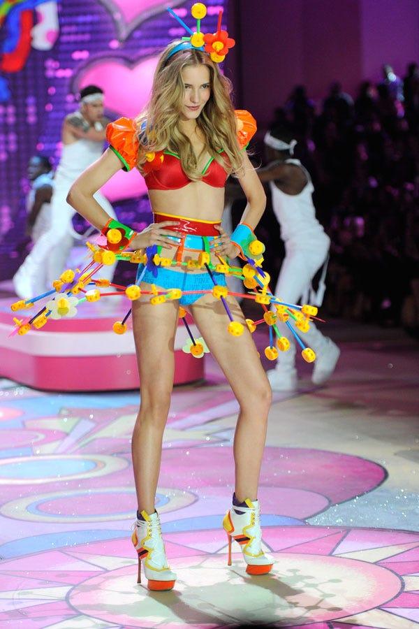 - Victorias Secret Sexy Halloween Costume Ideas