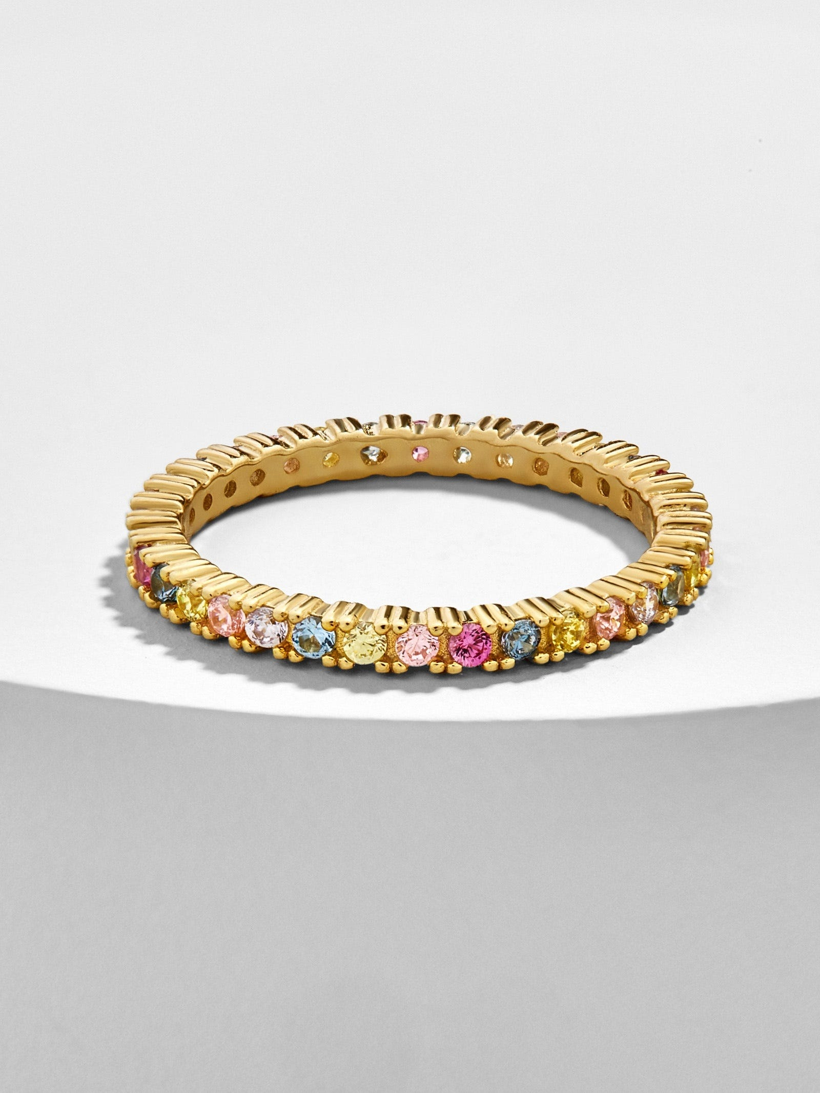 R29 Readers' Favorite Sold-Out Ring Is Back With A Crowd