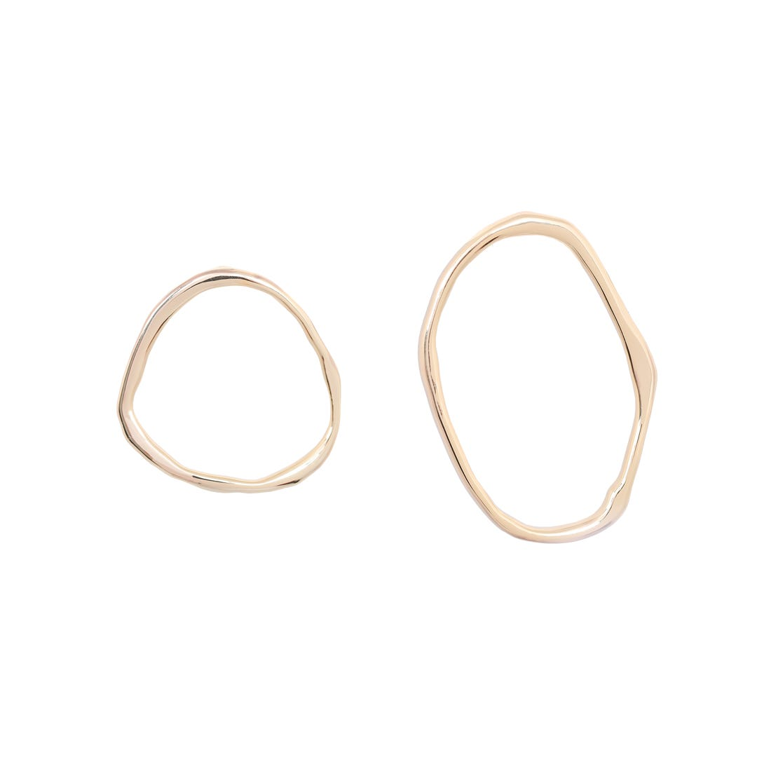 dbd992ae82f29 Best Gold Hoop Earrings To Accessorize This Winter 2018