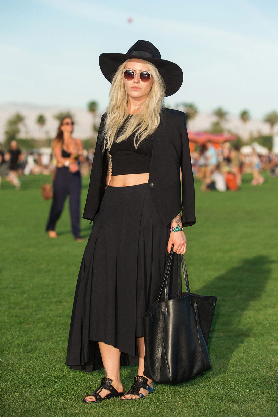 http://www.refinery29.com/2015/04/85205/coachella-2015-street-style-pictures?utm_source=email&utm_medium=editorial&utm_content=everywhere&utm_campaign=150413-coachella-2015-street-style-pictures#slide-11