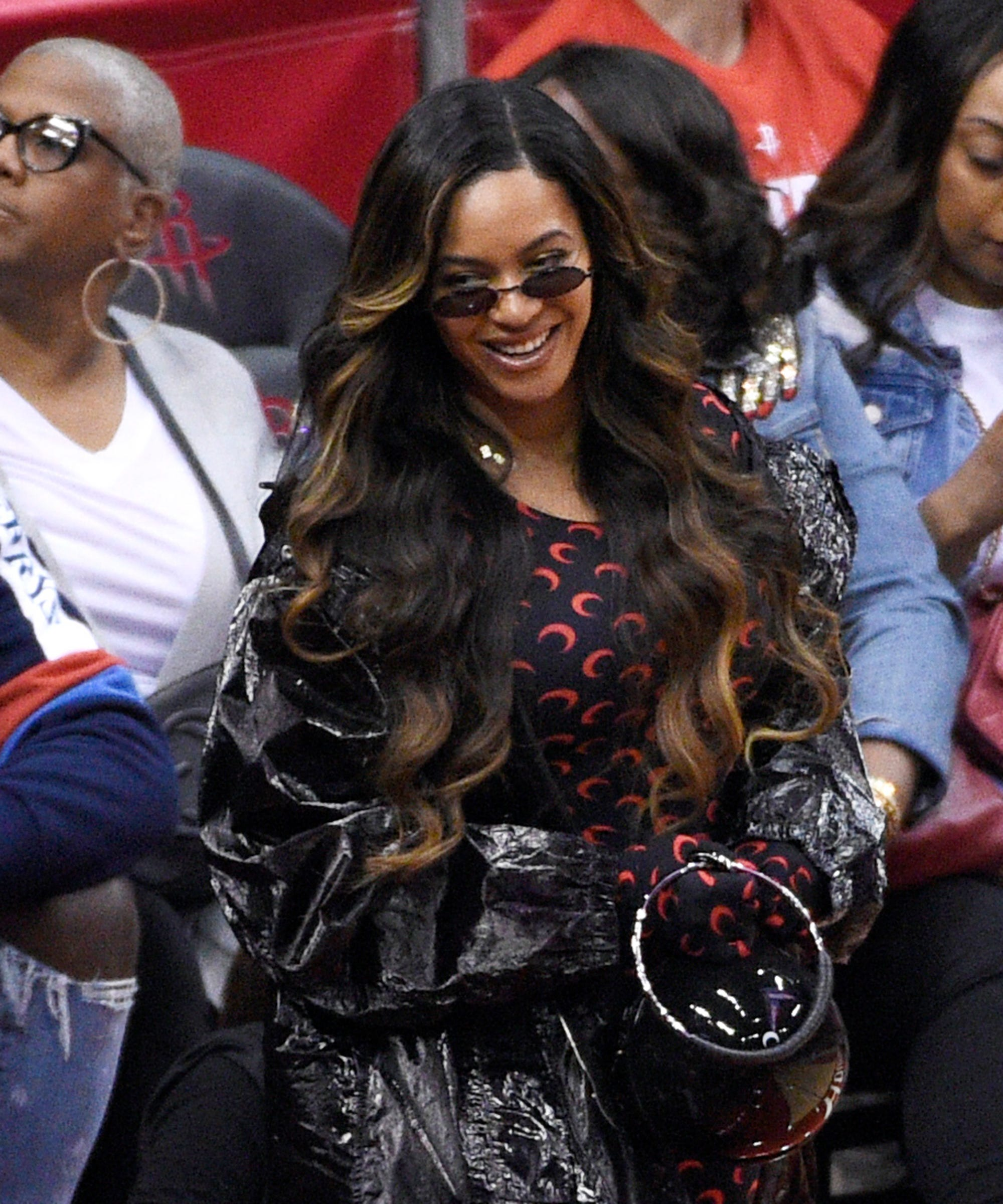 Beyonce Shows Off A New Hair Color At Nba Finals Game