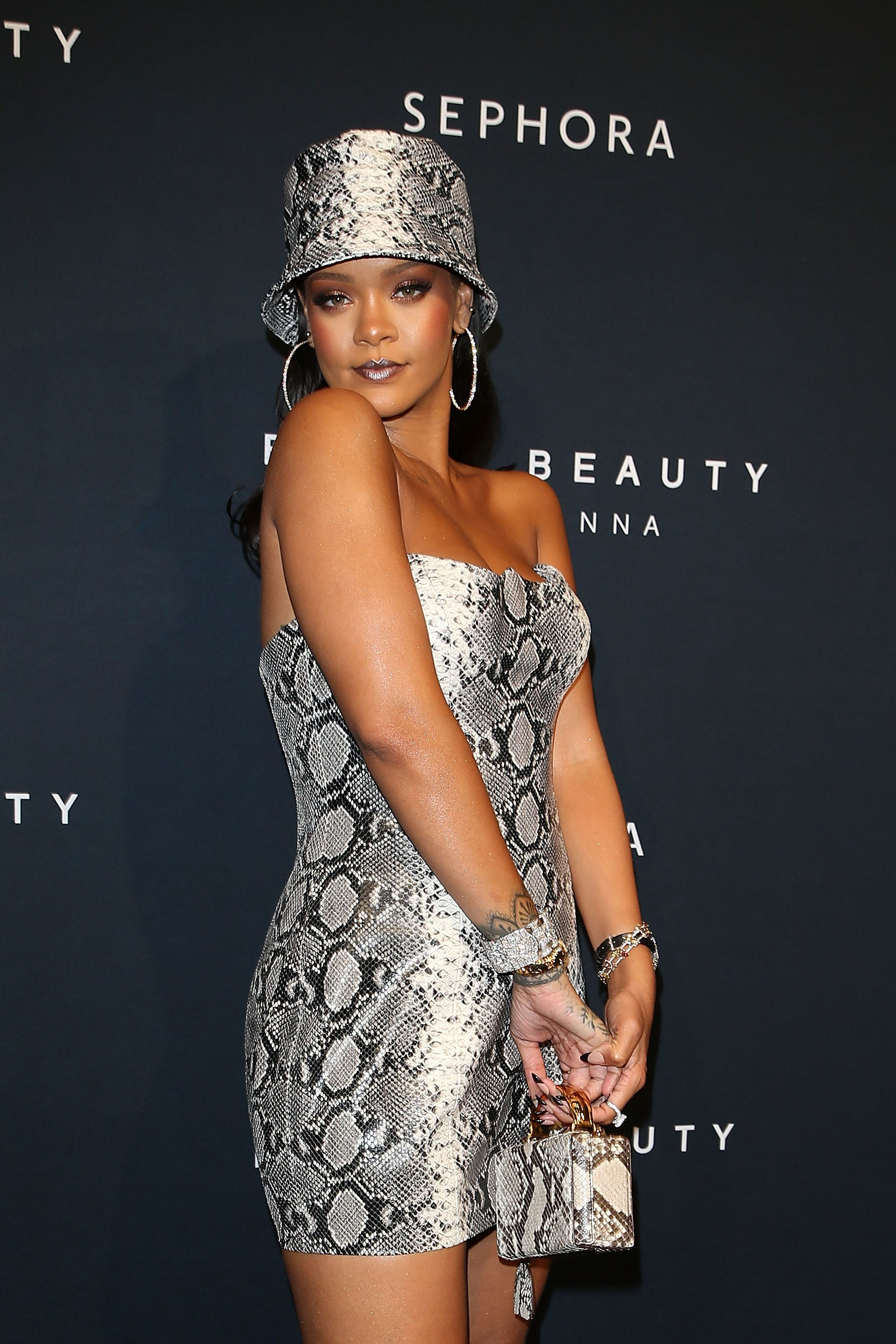 finest selection 32e67 0bc7a Your First Look At Rihanna's Fenty Clothing Line