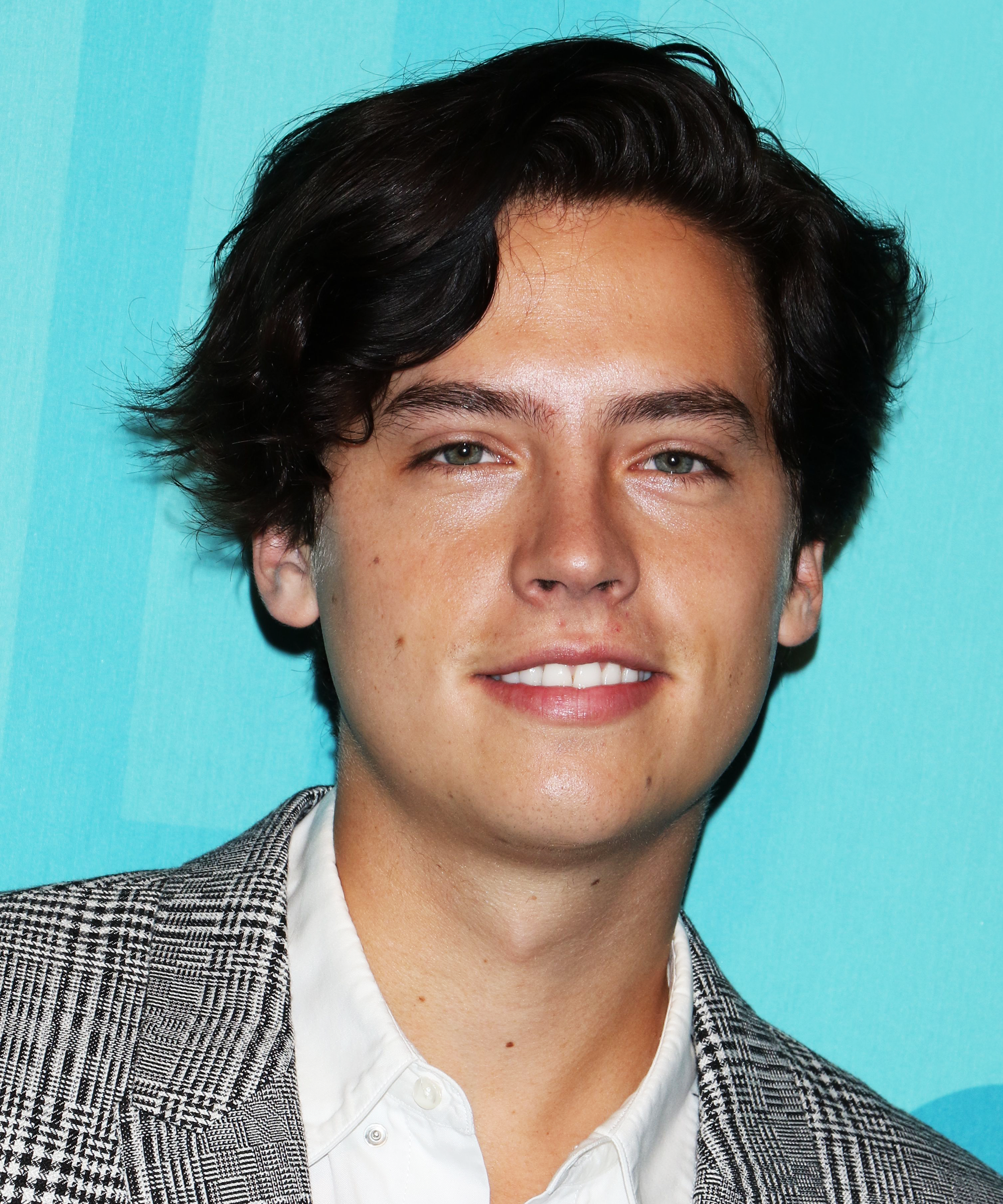 Cole Sprouse Big Daddy Throwback Photo Funny Tweet