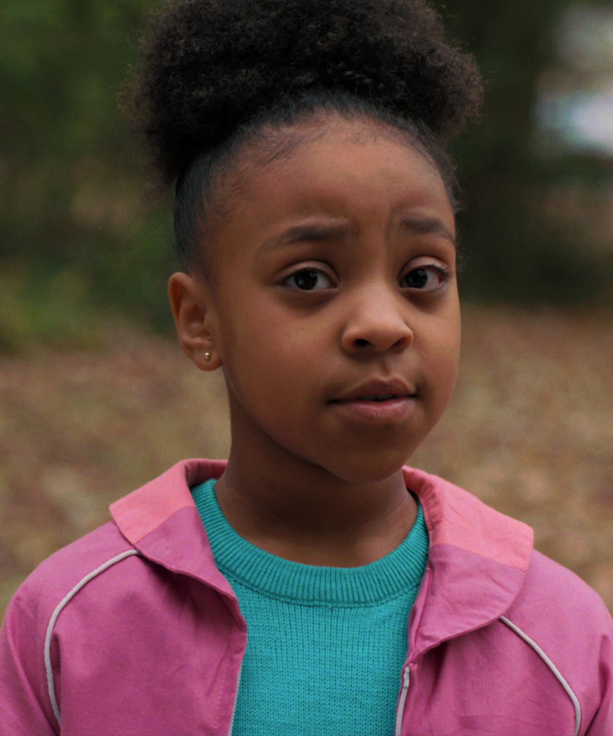 Who Is In Stranger Things Season 3 Cast New Characters