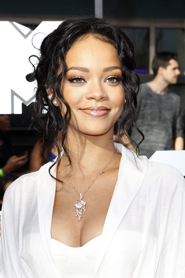 rihanna mtv movie awards makeup hair