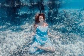 underwater yoga  instagram poses