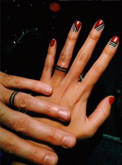 Tattoo bedeutung am finger ring Tattoo Ring