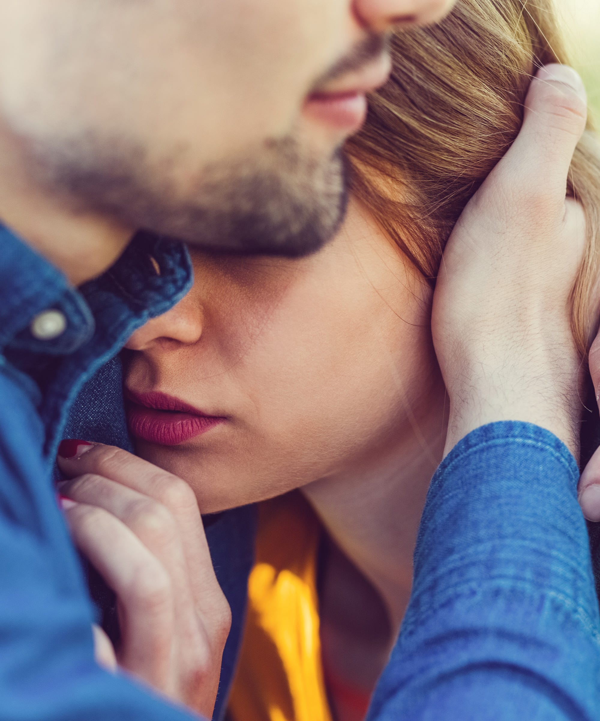 This Guy Has The Best Way Of Handling His Girlfriend's Anxiety