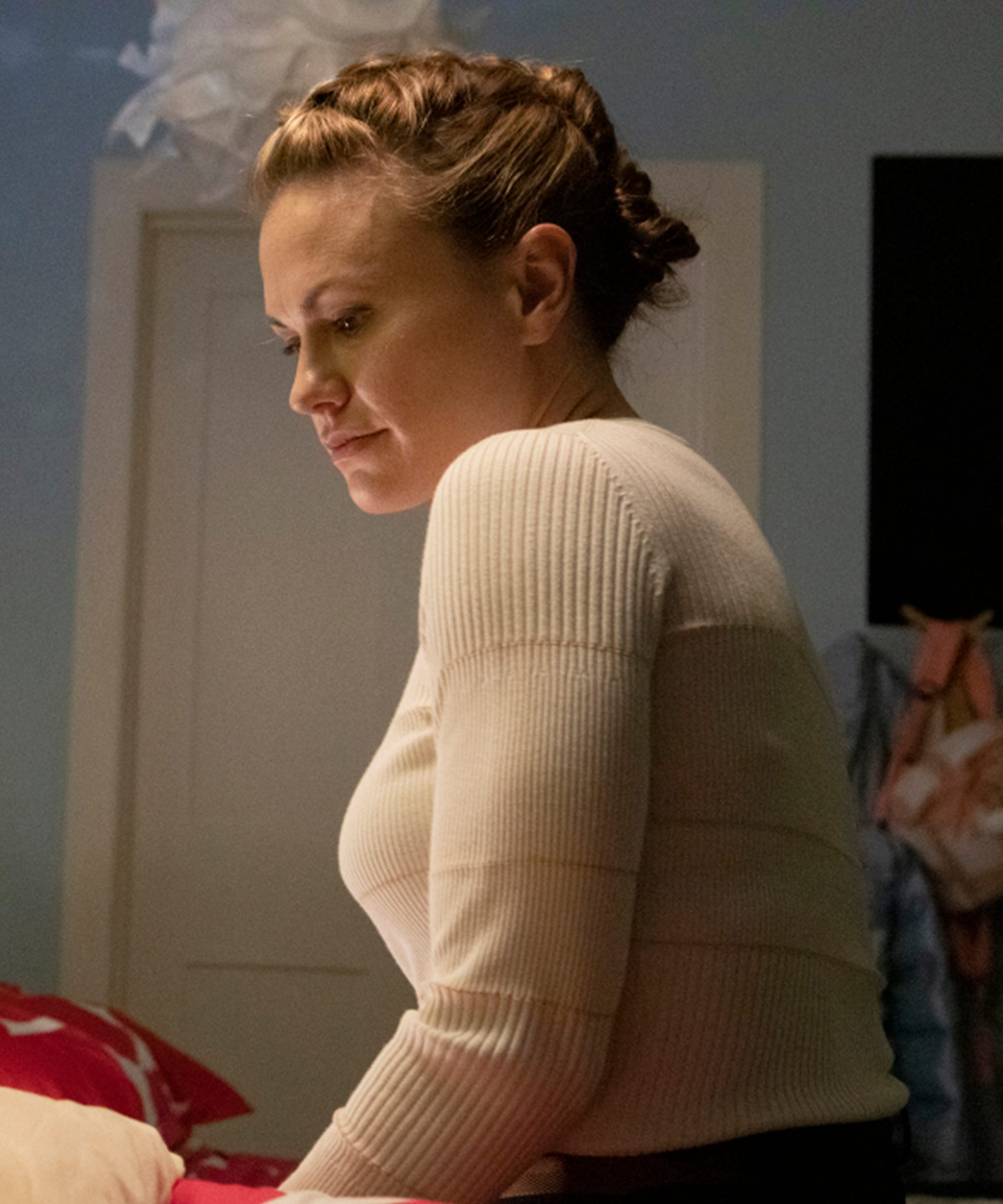 The Affair Adds A Grown-Up Joanie In Season 5 & Everything She Knows Is Wrong
