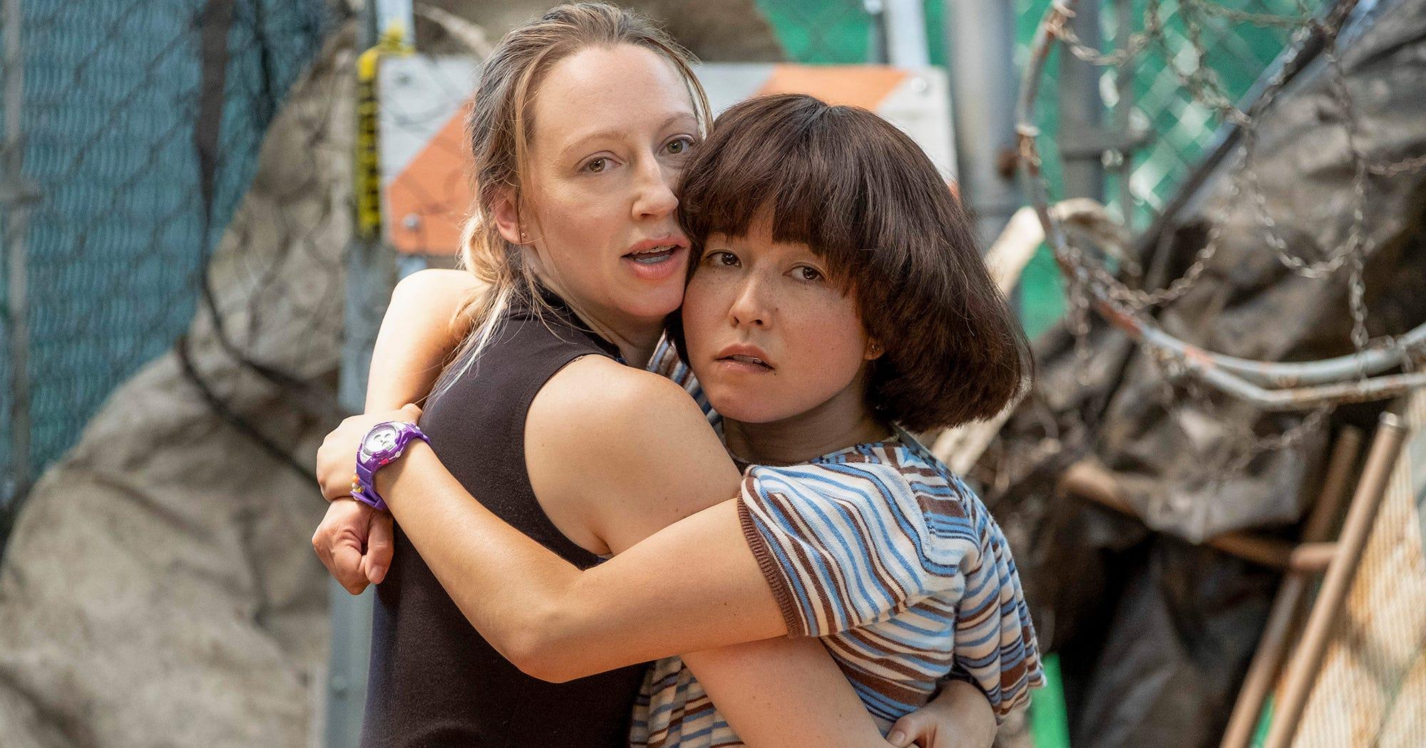 PEN15: Hulu PEN15 Series Is Based On Mortifyingly True Stories