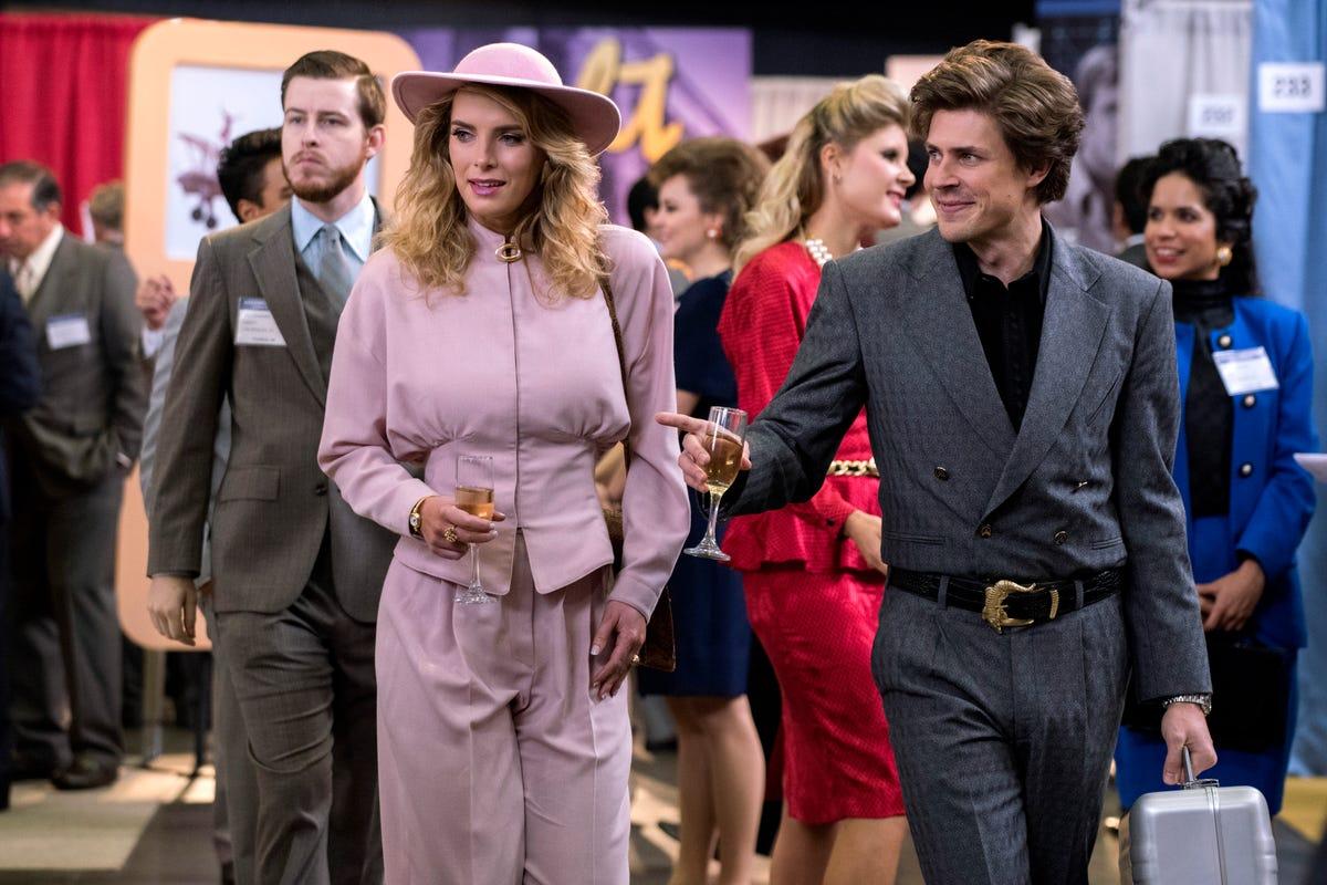 Glow Season 2 Episodes Recap For Binge-Watching Netflix