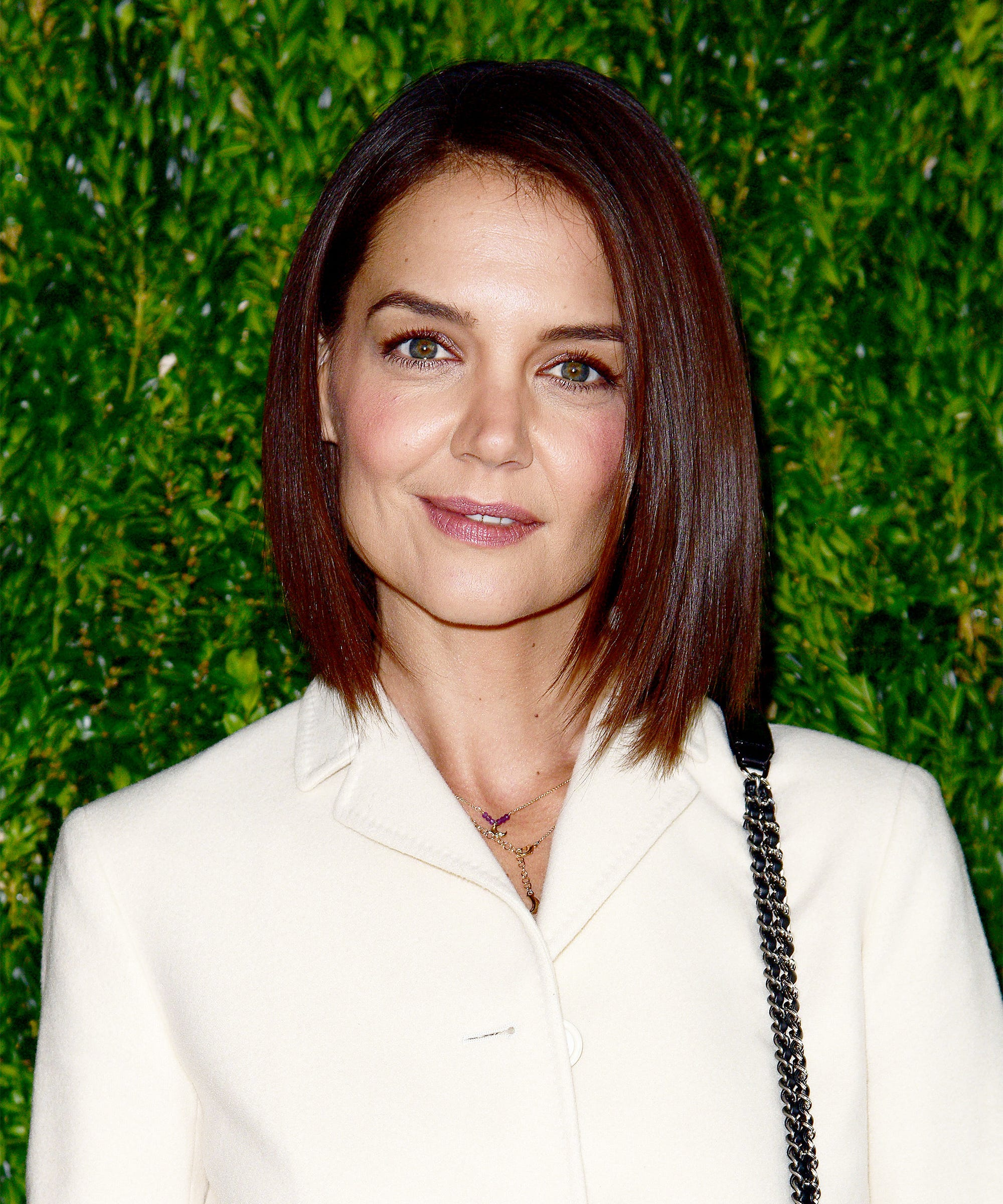 Katie Holmes Hairstylist Breaks Down Her Relaxed Bob