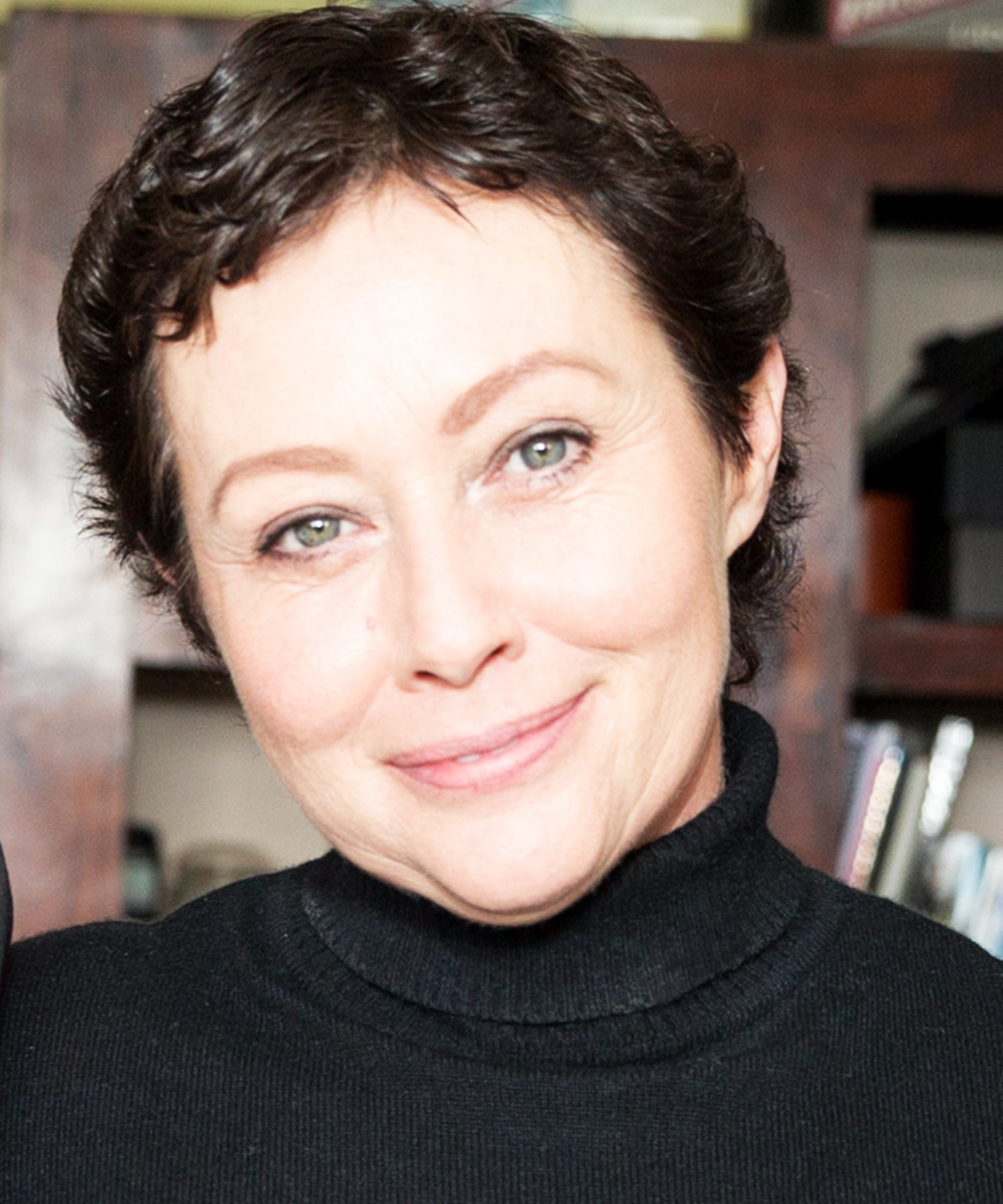 shannen doherty post chemo pixie haircut