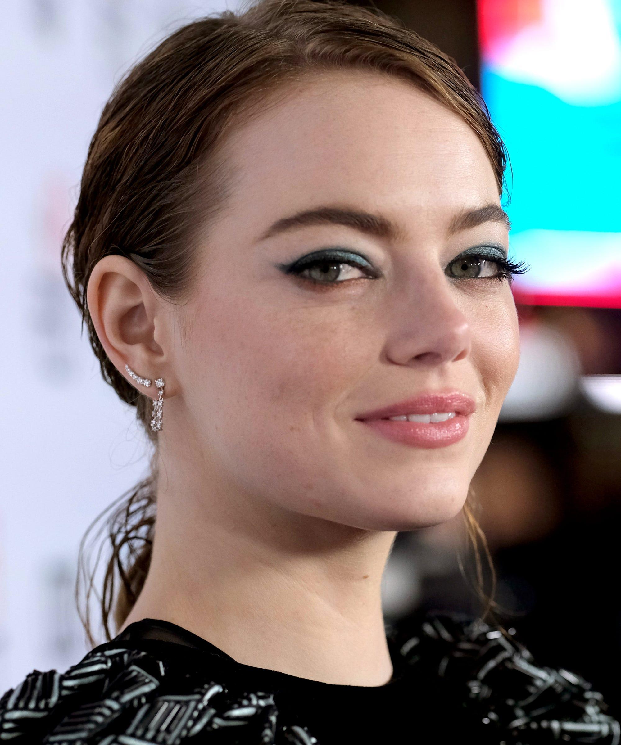 Emma Stone Hair Makeup Looks Updo Cat Eye Eyeliner