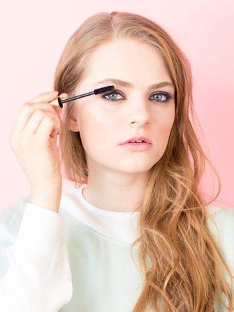 DIY Eyelash Tinting - How To Get Darker Lashes