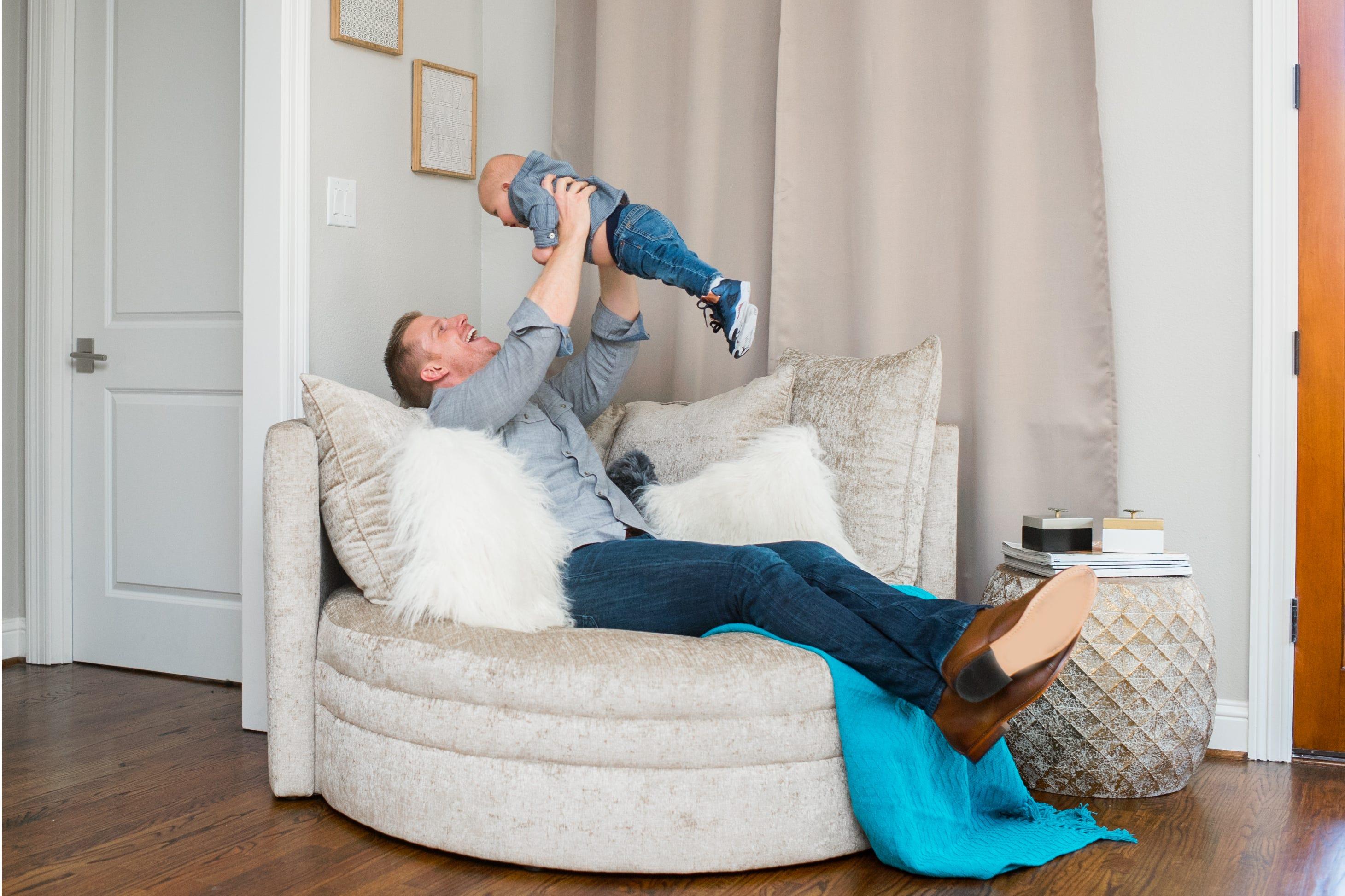 Surprising Wayfair The Bachelor Sean Catherine Lowe Sofa Chairs Dailytribune Chair Design For Home Dailytribuneorg