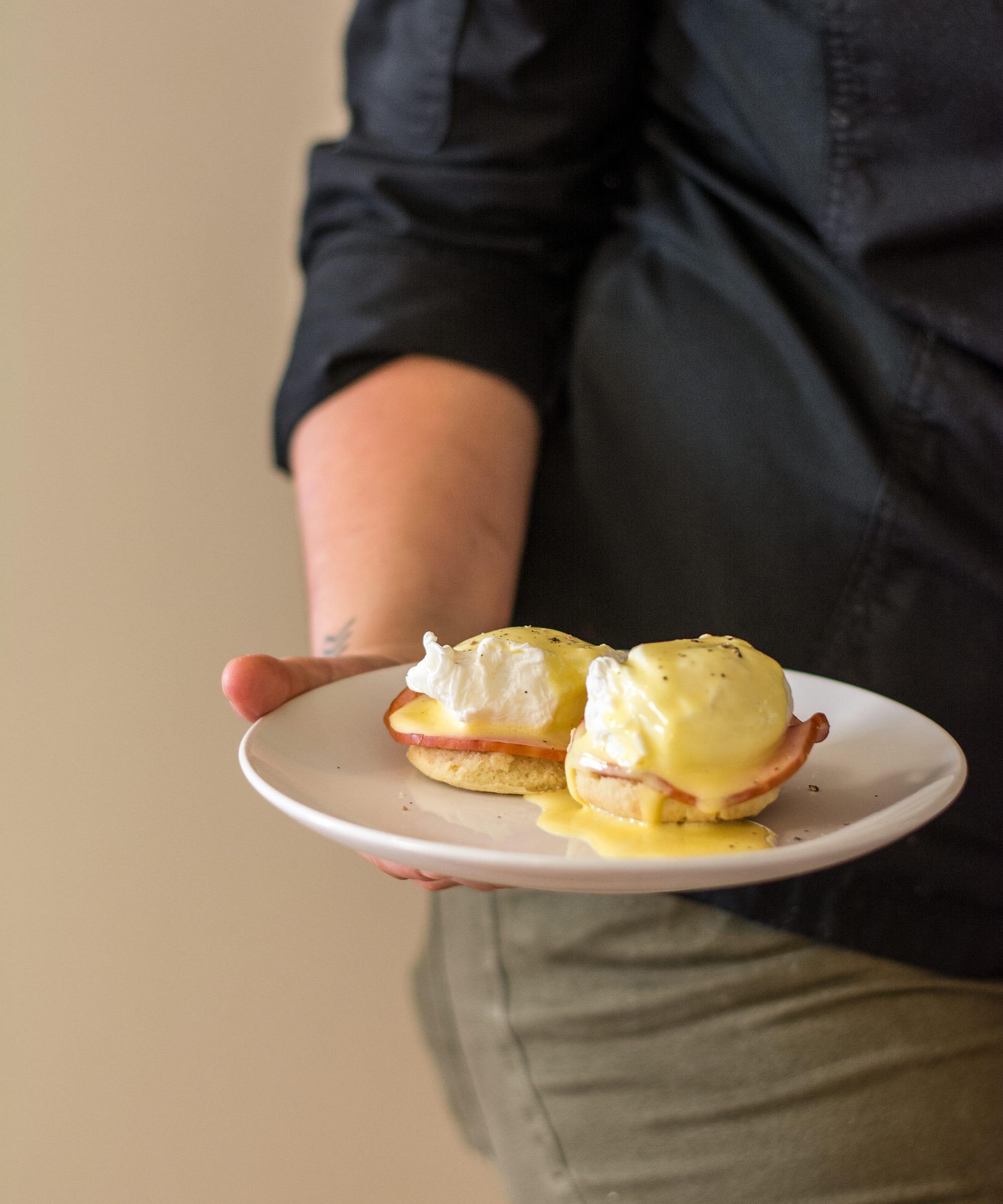 Une recette d'œufs Bénédicte réalisable même dans une kitchenette