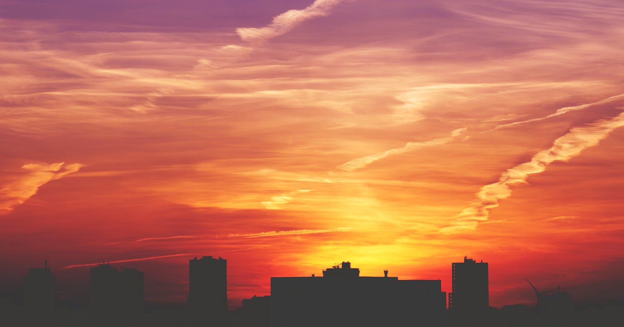 Sunset Eyes Makeup Trend Pink Orange Warm Tones Photos