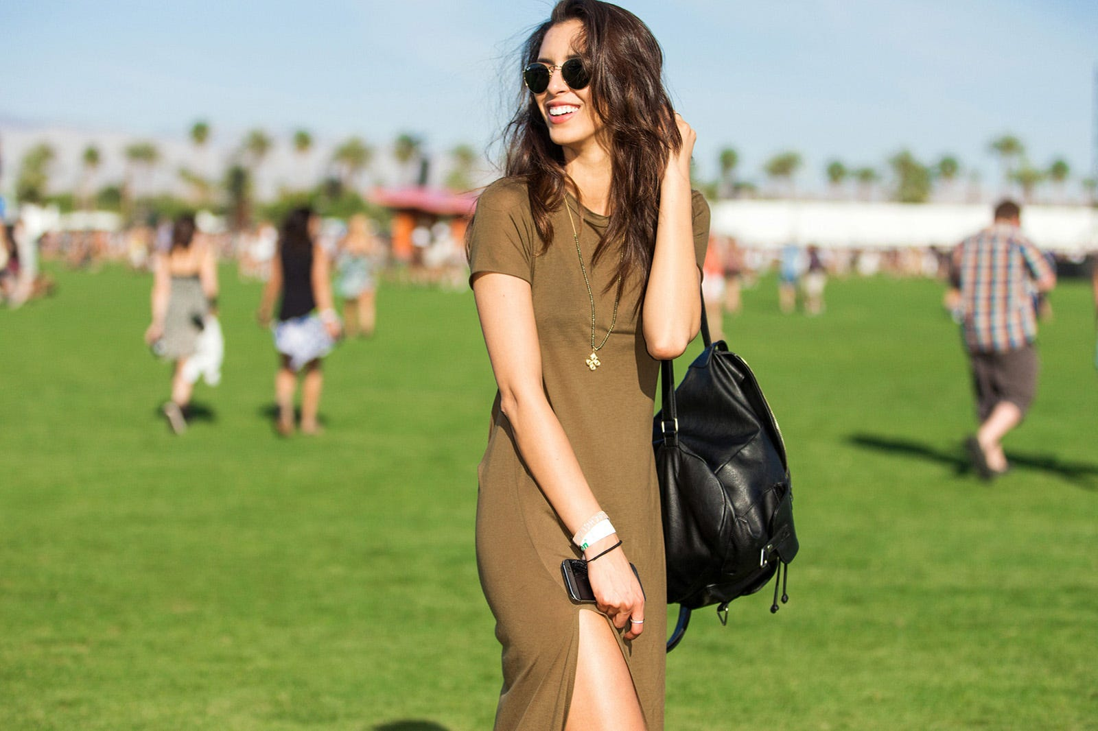 http://www.refinery29.com/2015/04/85205/coachella-2015-street-style-pictures?utm_source=email&utm_medium=editorial&utm_content=everywhere&utm_campaign=150413-coachella-2015-street-style-pictures#slide-17