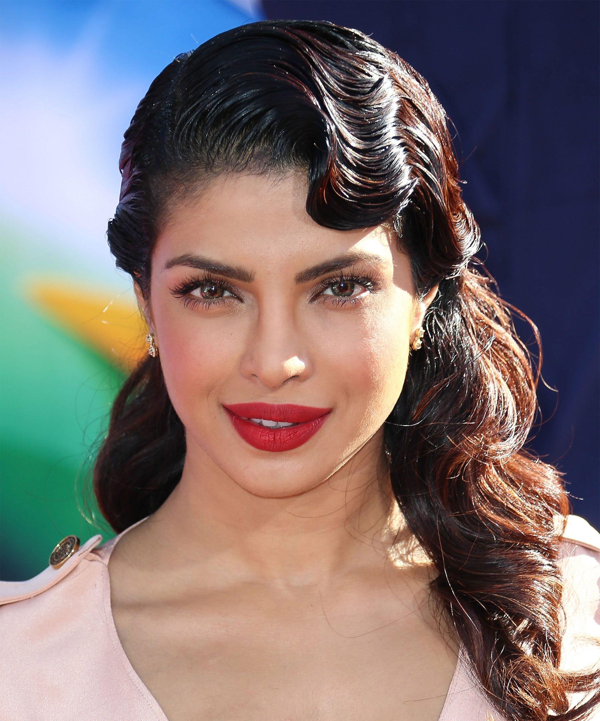 Download Priyanka Chopra Lipstick Shades Pictures