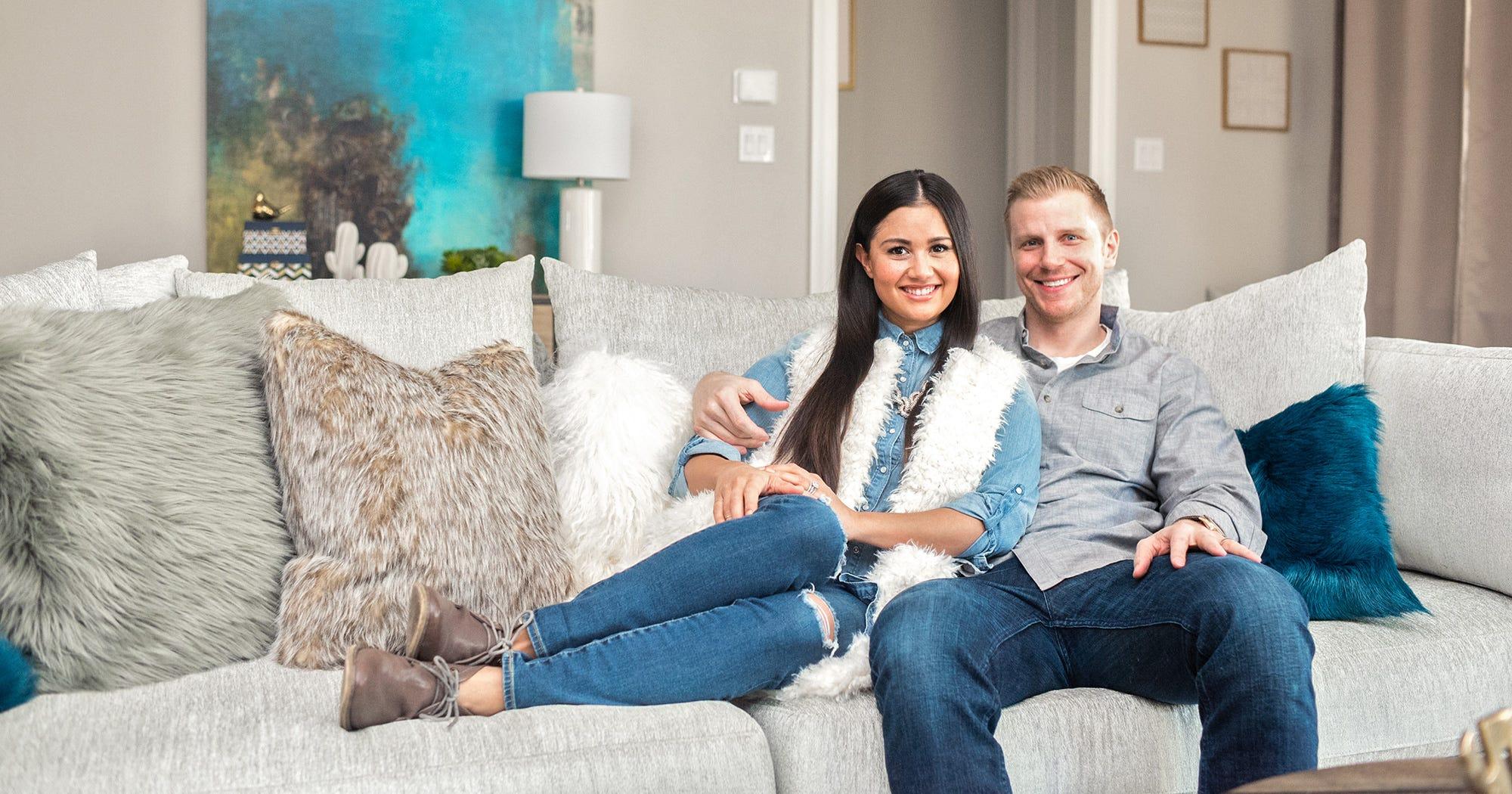 Peachy Wayfair The Bachelor Sean Catherine Lowe Sofa Chairs Dailytribune Chair Design For Home Dailytribuneorg
