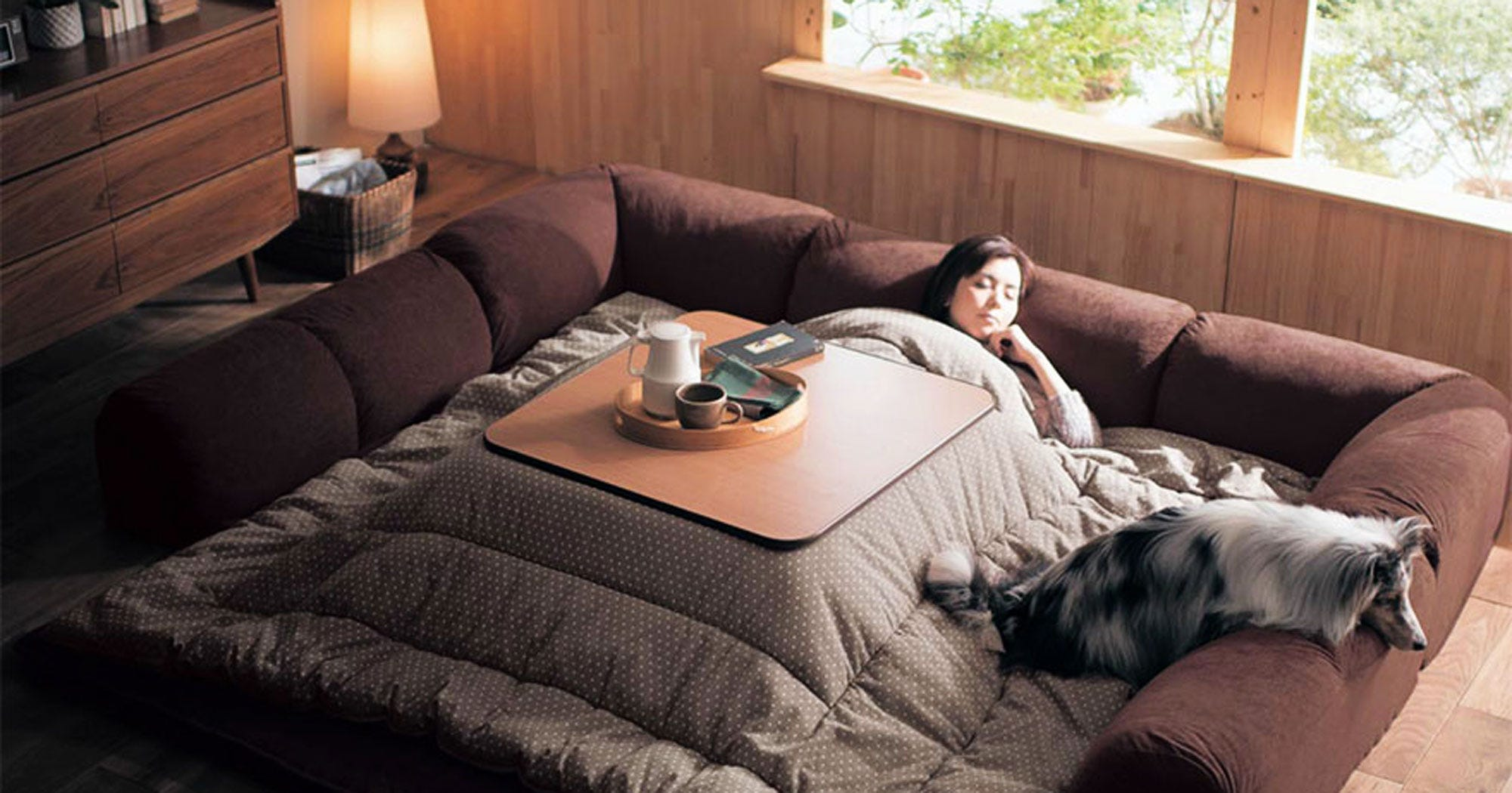 Japanese couch bed kotatsu winter warmth - Futon cama japonesa ...